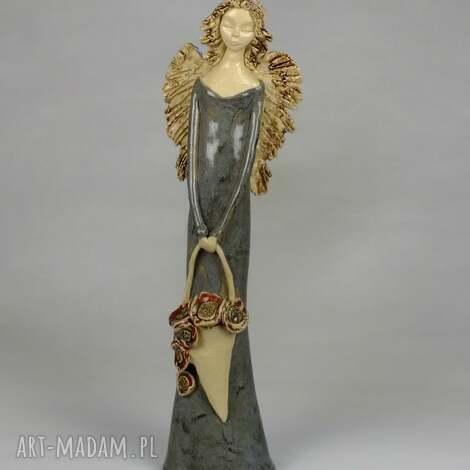 anioł z koszem maków, anioł, ceramiczny, kosz-maków, ręcznie-wykonany ceramika dom