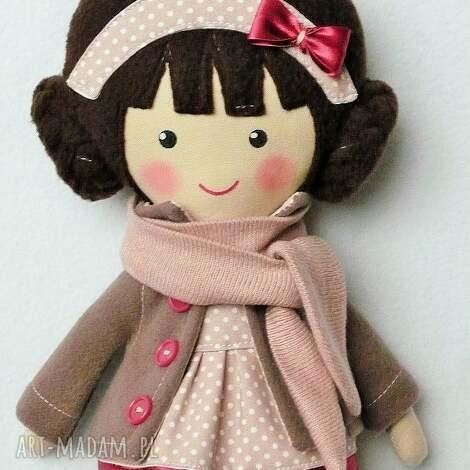 lalki malowana lala aurelia z szalikiem, lalka, zabawka, przytulanka, niespodziank