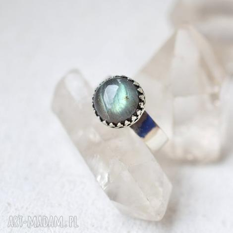 królewski pierścień z labradorytem, pierścionek, srebro, labradoryt, prezent