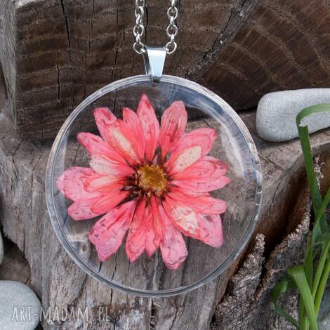naszyjnik z suszonym kwiatem w żywicy z35 - naszyjnik-z-kwiatów