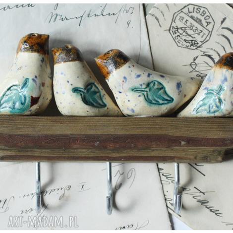 ceramika wieszaczek z kolorowymi ptaszkami na haczyki, ceramika, wieszak, ptak