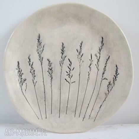 ceramika patera początku lata, talerz, ceramiczny, ozdobny, z roślinami, odbiciem