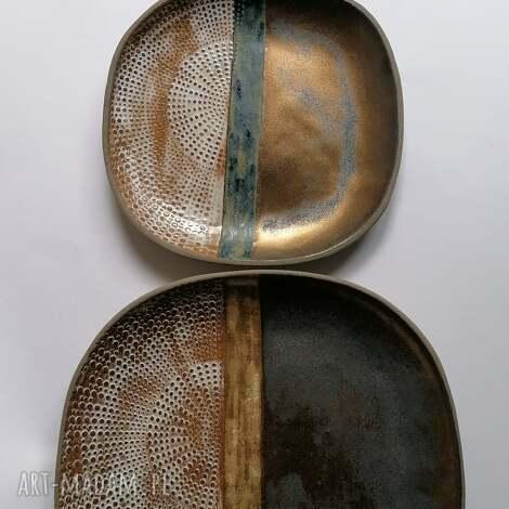 komplet trzech talerzy etno, ceramika rękodzieło, talerze złote, dekoracja