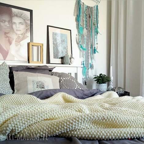 oryginalny prezent, mondu kremowy pled, narzuta, wełniana, koc, sypialnia