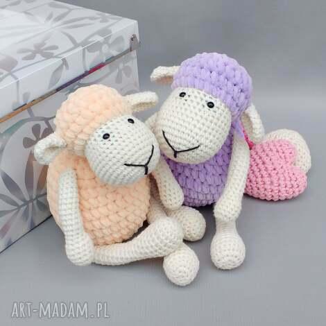 świąteczne prezenty, owieczka matylda, zabawka, przytulanka, miękka, dziecko, spanie