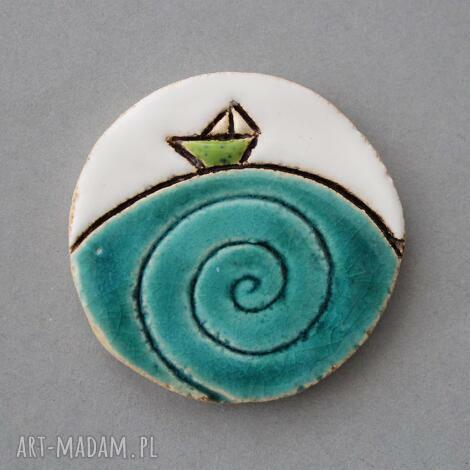 ahoj-broszka ceramiczna (minimalizm, prezent, skandynawski design, jeansy, urodziny)