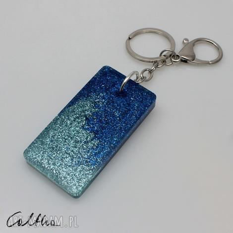 błękitny - brokatowy brelok 190723-01, brelok, breloczek, zawieszka, duży