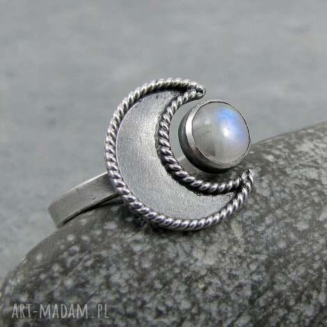 w ramionach księżyca - moonstone, księżyc, boho, amulet, magiczny, romantyczny