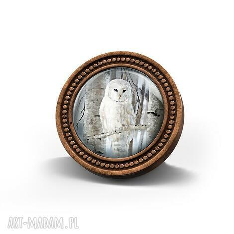 broszka drewniana liliarts - biała sowa (leśna, naturalna, prezent)
