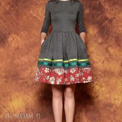 wyjątkowe prezenty, sukienki sukienka w kwiaty opus x, sukienka, rozkloszowana