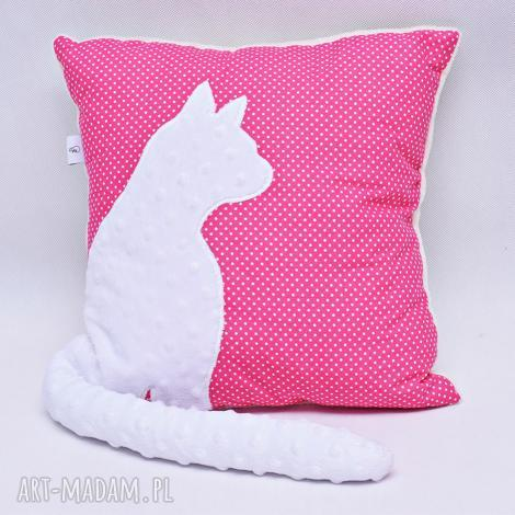 poduszka kotek z ogonem, kotem 3d wystającym biały kot, różowa