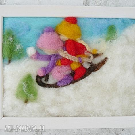 na saneczkach. obraz z kolekcji winter. zima, prezent dziecko, choinka, święta