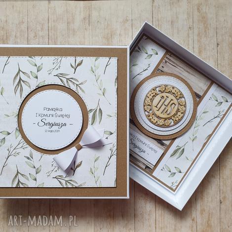 kartka w pudełku - wyjątkowy prezent w zieleni komunia, ślub, naturalny