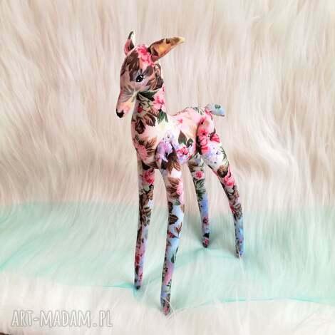 zwierzaki dekoracja tekstylna sarna w kwiaty, unikat, szyta, malowana, prezent