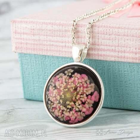 wisiorki medalion z prawdziwym kwiatem, medalion, kwiat, suszony, naturalny, prezent