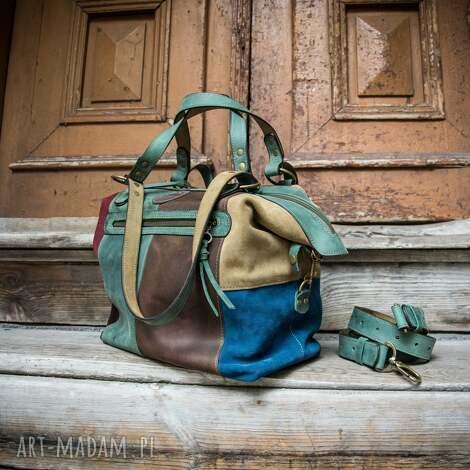 mała skórzana torebka w łatki, torba z naturalnej skóry wysokiej jakości