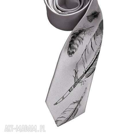 krawat w pióra, krawat, śledzik, nadruk, piórko, prezent