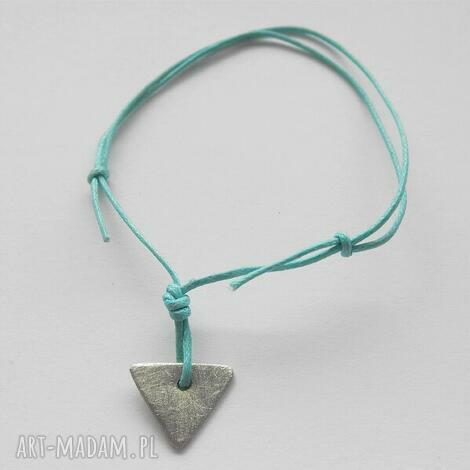 trójkąt bransoletka, srebro, sznurek, zmatowiona biżuteria