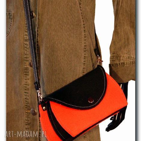 torebka mała, bardzo poręczna, torby, torebki, filc, kobieta na ramię