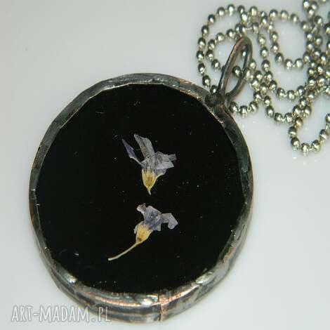 unikalne prezenty, czarny witraż, wisior, wisior-miedziany, unikalna-biżuteria