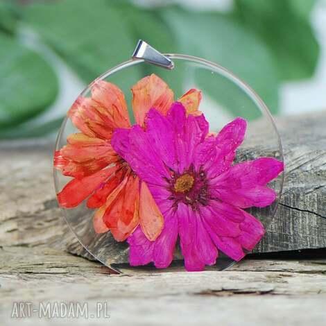 naszyjnik z kwiatami w soczystych kolorach z331, biżuteria z roślin epoksyd
