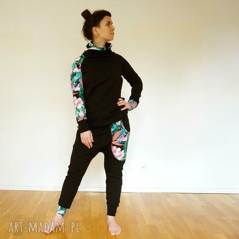 sportowe komplet damski - tropikalne kwiaty, dres damski, spodnie baggy