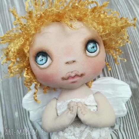 aniołek dekoracja ścienna - figurka tekstylna ręcznie szyta i malowana, anioł