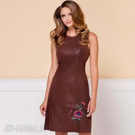 sukienka cynthia suede z haftem - zamszowa sukienka, sukienka do pracy, sukienka z haftem