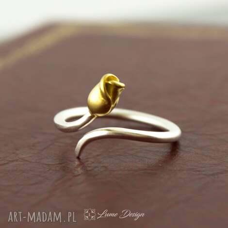 srebrny pierścionek kwiat, regulowany, prezent, delikatny, matowy, tulipan