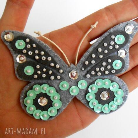 cekinowy motyl broszka z filcu - filc, broszka, motyl, cekiny, błyszczący, prezent