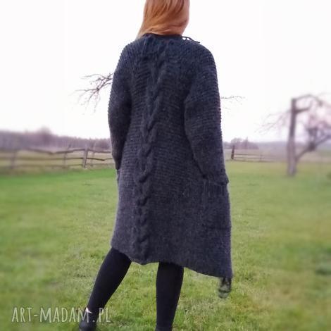 długi sweter z ozdobnym warkoczem i frędzlami, sweter, kardigan, płaszcz