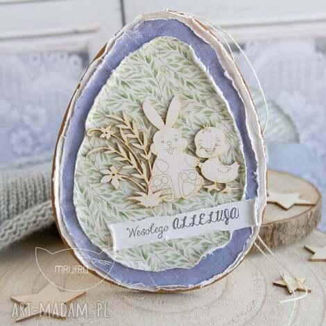 wielkanocne jajo. uroczy podarek na wielkanoc lub dekoracja wielkanocna. alternatywa