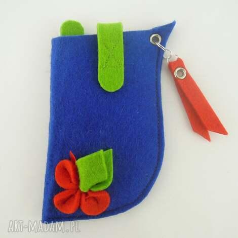 etui na telefon- niebieskie z czerwonym - duże, filc, etui, pokrowiec, kwiatek