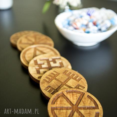 drewniane podstawki z motywem słowiańskim, slavik, słowiański, podkładki