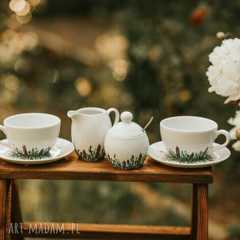 zestaw do kawy i herbaty dwie filiżanki, cukiernica, mlecznik kwitnąca łąka