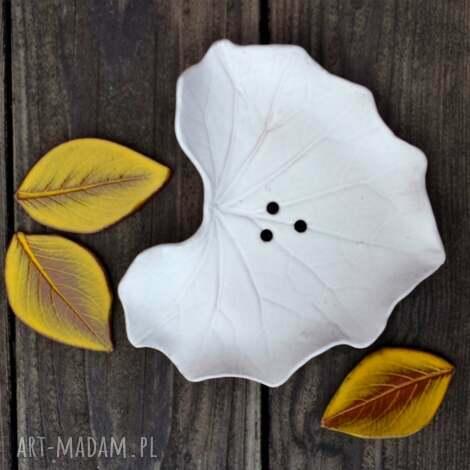 ceramika mydelniczka ceramiczna biały liść, mydło, mydelniczka, łazienka