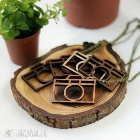 drewniany naszyjnik - aparat - naszyjnik, drewniany, aparat, drewno, naturalny, wisiorek