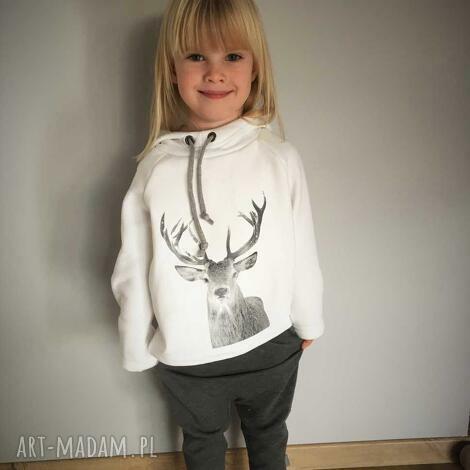 biała bluza z kapturem, wygodna, miękka, świąteczna, zimowa, nadruk, prezent