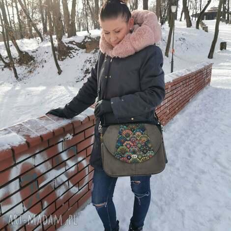 na ramię duża torebka z klapką listonoszka kolorowa damska eko zamsz