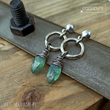 srebro i zielony kianit - kolczyki z zawieszkami, kamieniami