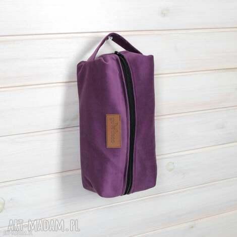 kosmetyczka fioletowa na prezent, kosmetyczka, wyjazd, podróż, męska