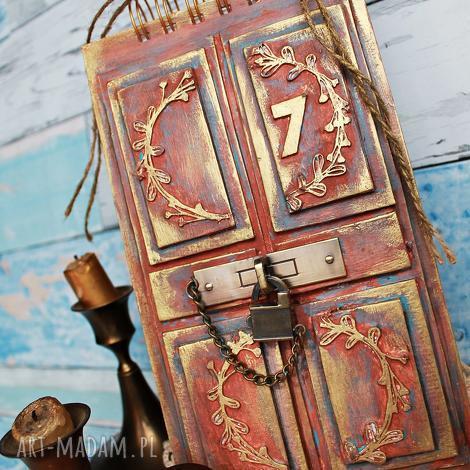 sekretnik, notes, album, zdjęcia, drzwi, mixedmedia