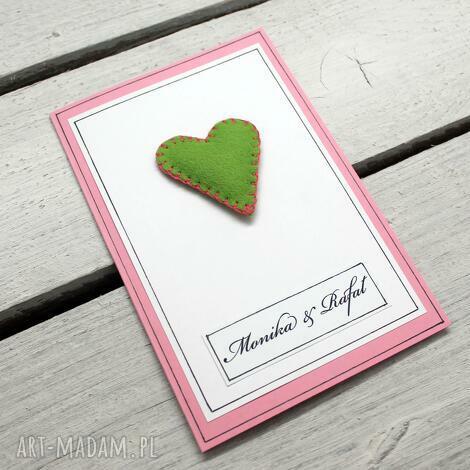 zaproszenia z filcowym serduszkiem, ślub, zaproszenie, wesele, serce