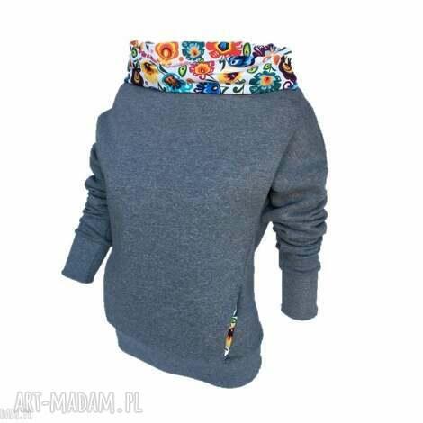 bluzy bluza dresowa z motywem folkowym, bluza-dresowa-folk, bluza-z-kominem