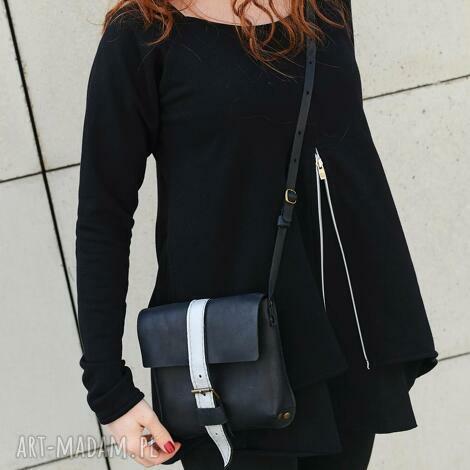 prosta efektowna mała czarna torebka, torebka, elegancka, mini