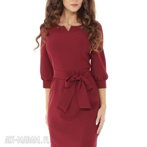 sukienka z dziubkiem i falbaną bordowa - elegancka sukienka, modna sukienka, sukienka