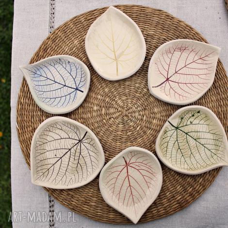 ceramika 6 ceramicznych liści lipy, podstawki, talerzyki, liście, talerz liść
