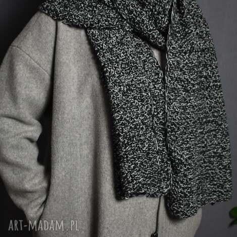 melanzowy szal, na drutach bohofolk, ciepłazima klasyka rękodzieło, prezent