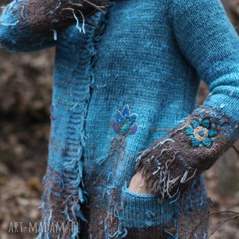 swetry niebieski sweterek z haftem, folk, sweter, rozpinany, ciepły