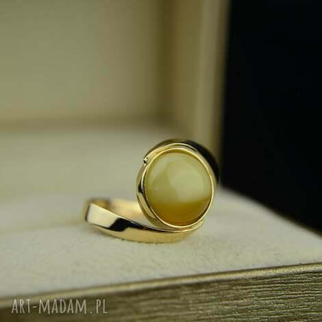 złoty pierścionek z mlecznym bursztynem złoto 585, pierścionek, bursztyn